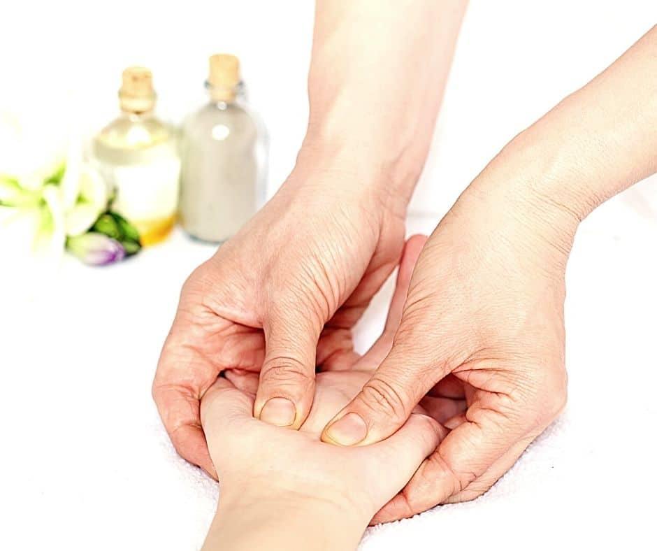 Hand reflexology, what is hand reflexology, hand reflexologist